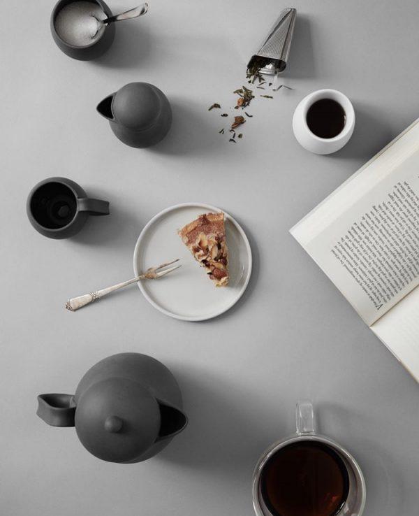 Heerlijk genieten van een kop thee met onze Nina theeset.