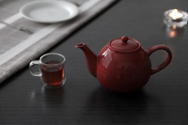 Het juiste servies, de theepot.